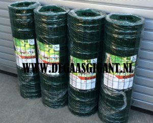Tuingaas groen geplastificeerd 100 cm. hoog. Maaswijdte 50 x 100 mm. Draaddikte 1